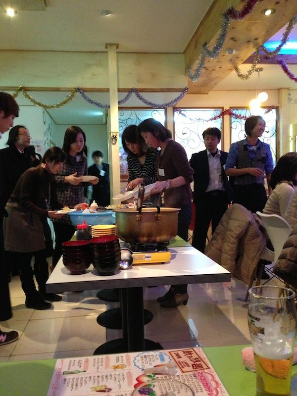 Mesa de comida del bounenkai