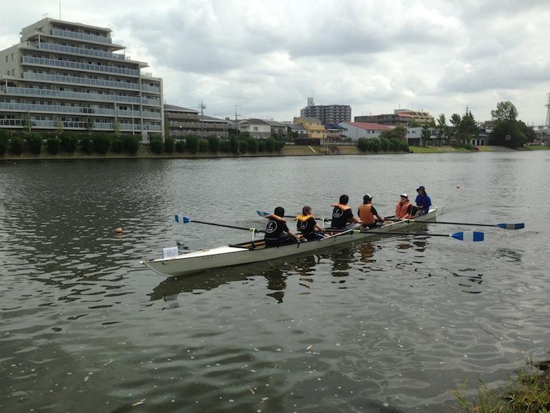 Equipo en la canoa
